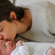 الأمومة ................................................ العذاب الخفي المرتعب