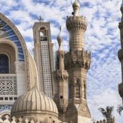 تبرعات غير المسلمين لخدمة المسلمين