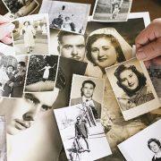 الدليل الكامل لكيفية تحويل الصور القديمة إلى نسخ رقمية باستخدام هاتفك الذكي