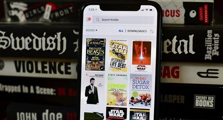 دليلك لمعرفة أفضل تطبيقات قراءة الكتب الالكترونية المتوافقة مع الهواتف الذكية