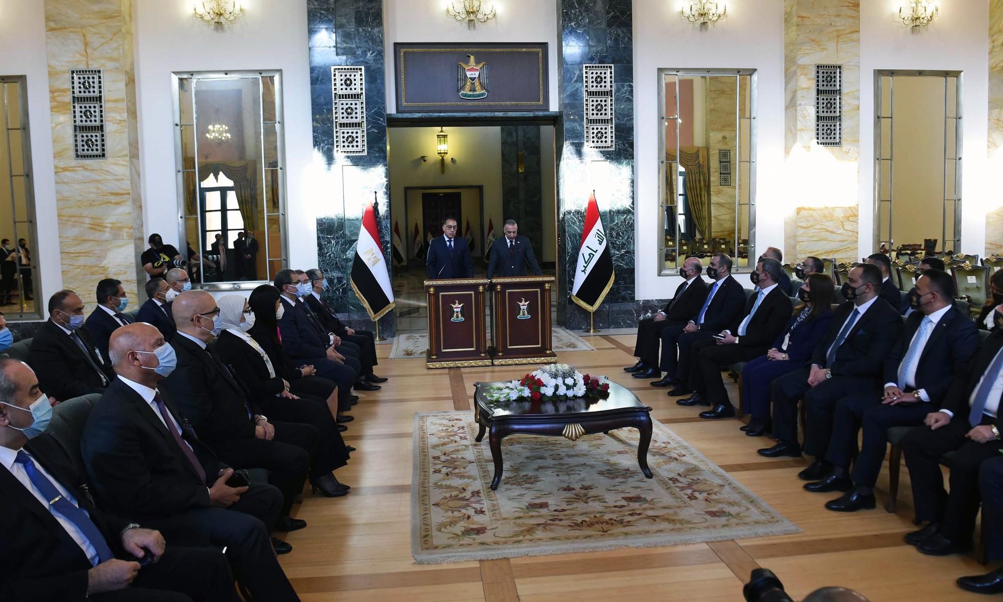 مؤتمر صحفى لرئيسى الوزراء المصرى والعراقى