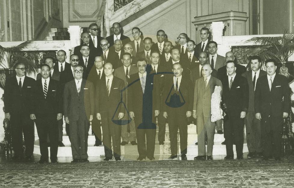 جمال عبدالناصر مع وزراء وزارة علي صبري الثانية