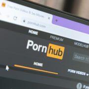 المحتوى الإباحي
