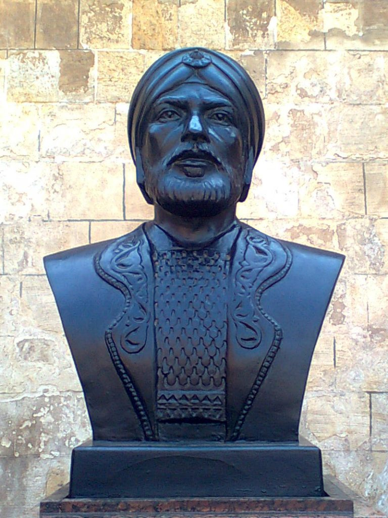 تمثال سيف الدين قطز
