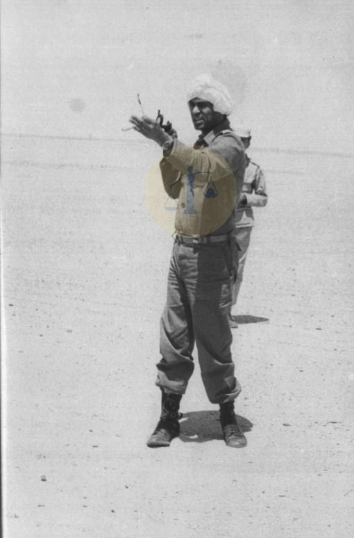 أحمد رجائي أثناء تحديد طريق بحر الرمال الأعظم