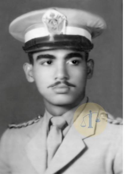 أحمد رجائي بعد قبوله في الكلية الحربية