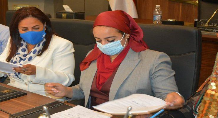 المرأة السيناوية وإيناس حافظ