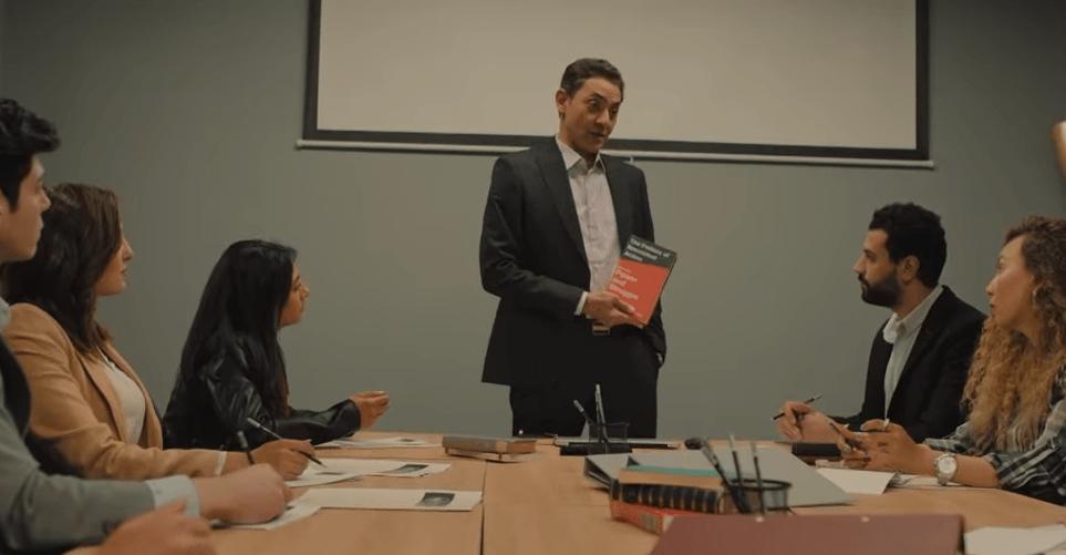 مشهد كتاب سياسة العمل اللاعنفي
