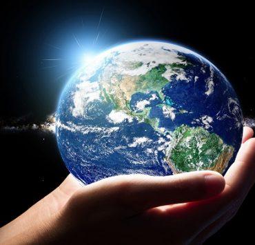 الإنسان وكوكب الأرض