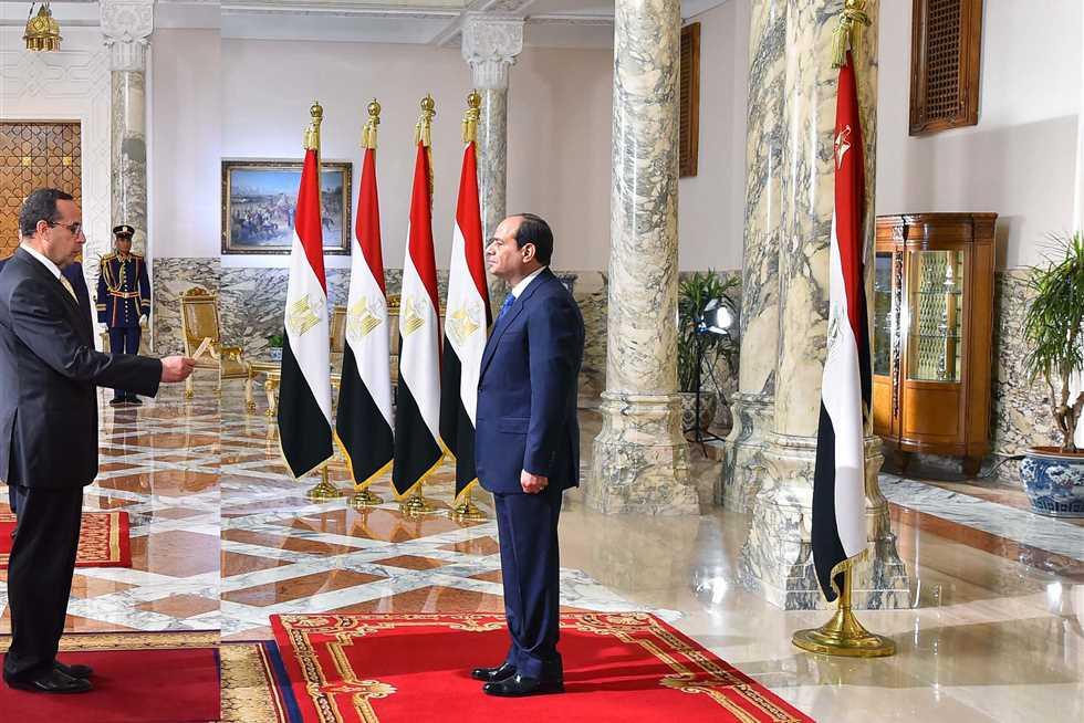 الرئيس السيسي ومحافظ شمال سيناء