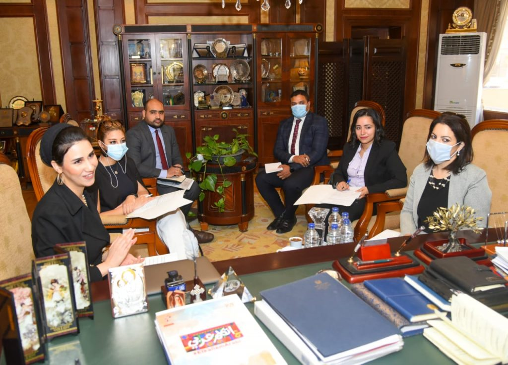 أعضاء حياة كريمة في وزارة الهجرة
