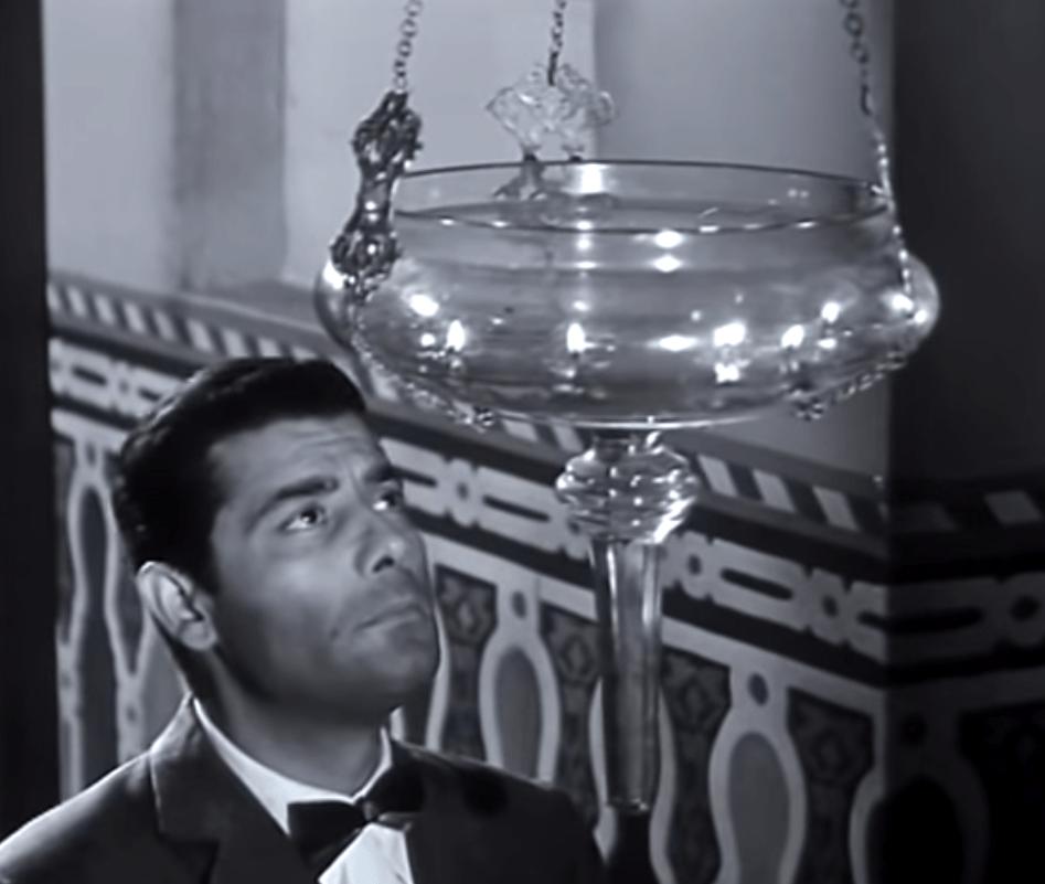 من فيلم قنديل أم هاشم