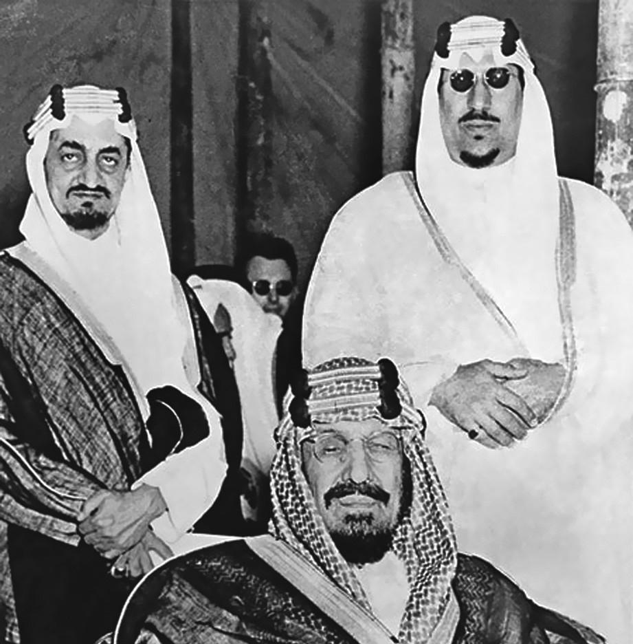 الملك عبدالعزيز بين سعود وفيصل