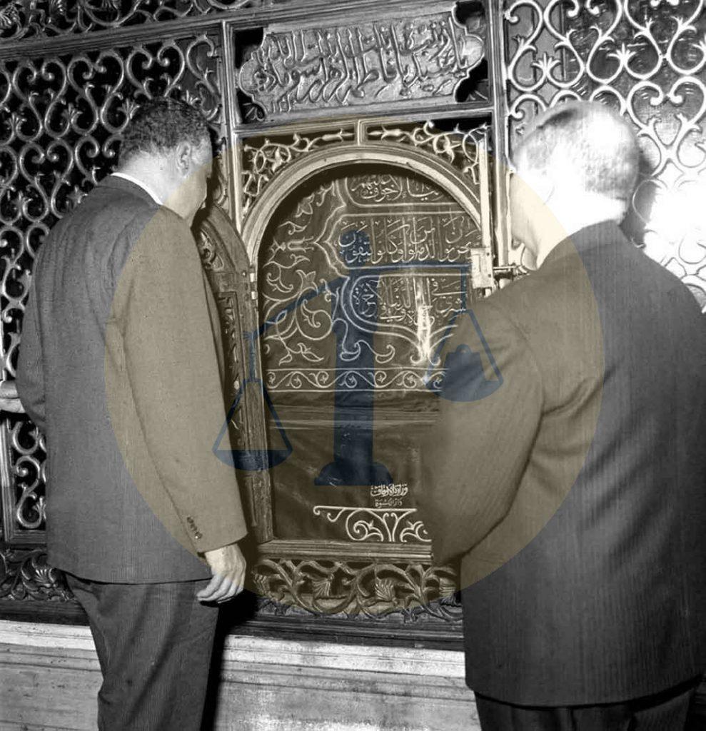 عبدالناصر يزور ضريح السيدة زينب في 5 يونيو 1970