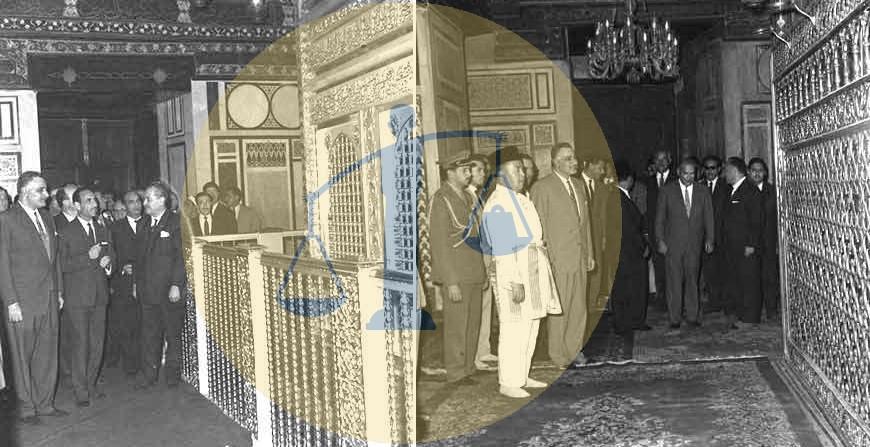 ناصر وعارف وملك ماليزيا عند ضريح الإمام الحسين
