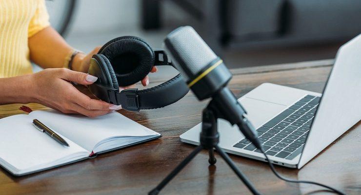 الدليل الكامل لكيفية تحسين الصوت في البودكاست