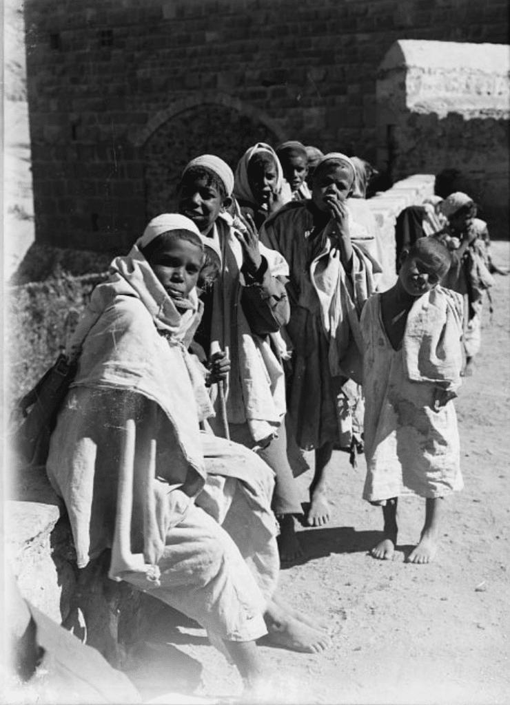 أطفال في دير سانت كاترين
