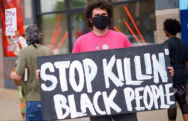 عنصرية الامريكيين ضد السود